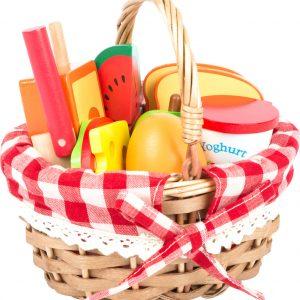 cesta picnic con alimentos de madera