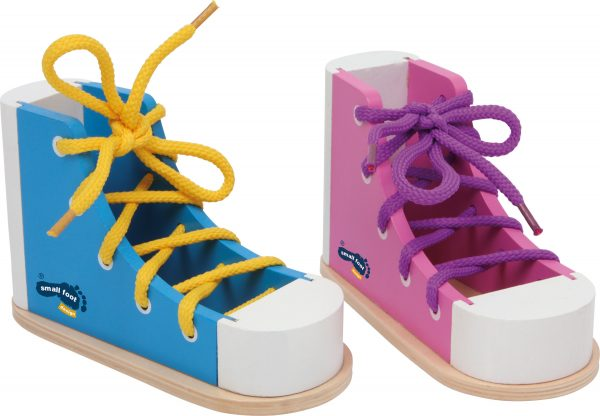 enhebrar zapatos